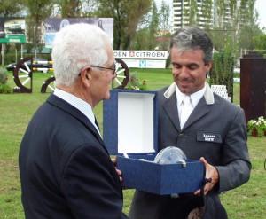 trofeu2002-300x247